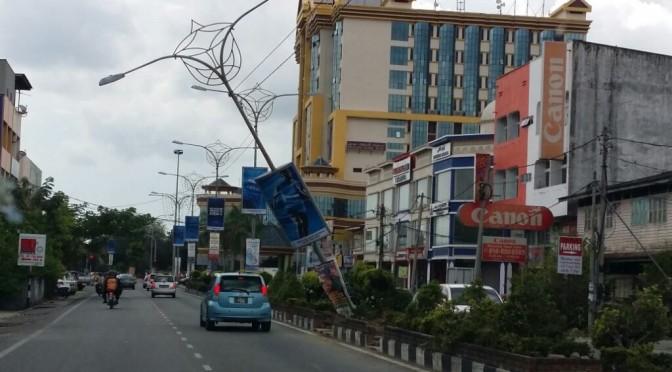 Kemalangan di Jalan Pengkalan Chepa (Depan KPTM)